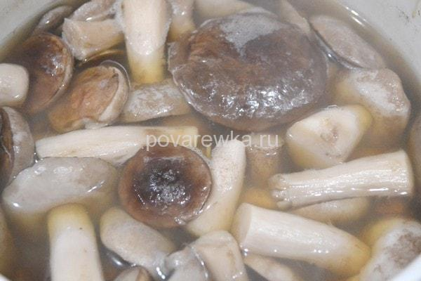 Маринованные грибы на зиму со специями