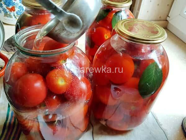 Маринованные помидоры в банках на зиму