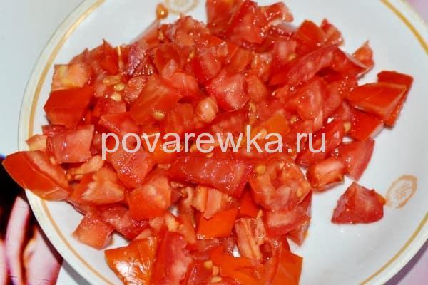 Лагман с курицей и помидорами