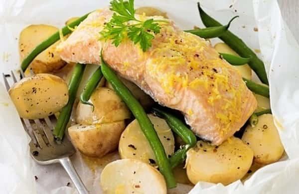 Рыба в духовке кусочками с картошкой