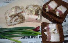 Как посолить свиное сало