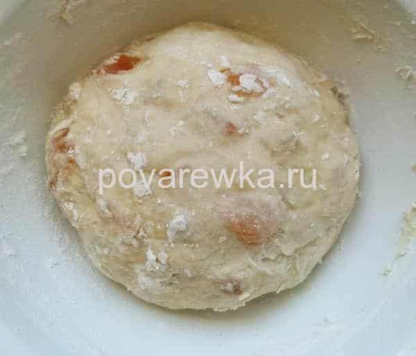 Тесто для пасхального кулича с курагой