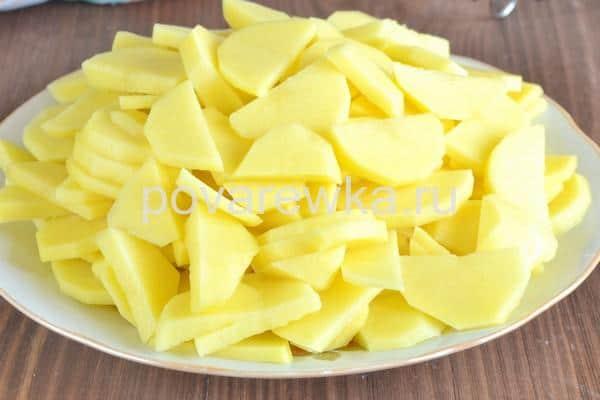 Картофель с мясом на сковороде