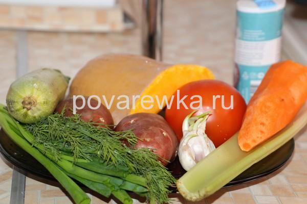 Овощное рагу с кабачками и картошкой на сковороде: ингредиенты