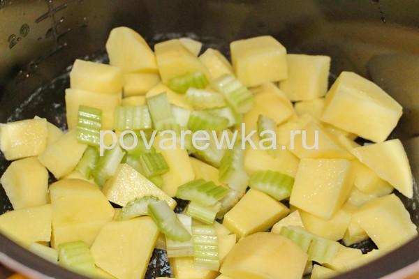 Овощное рагу с кабачками на сковороде: