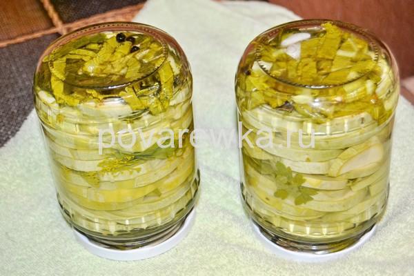 Маринованные кабачки с зеленью на зиму