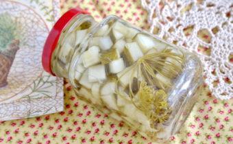 Салат из огурцов на зиму без масла с чесноком