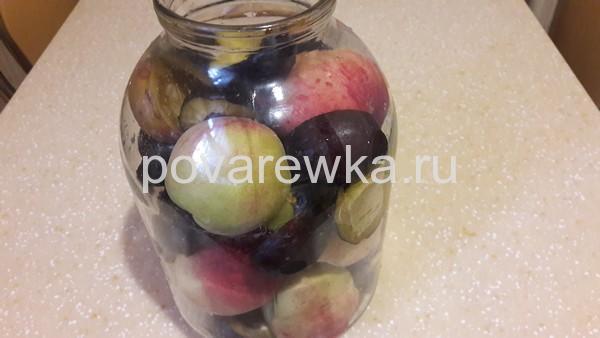 Сливы и персики в 3 литровой банке на зиму