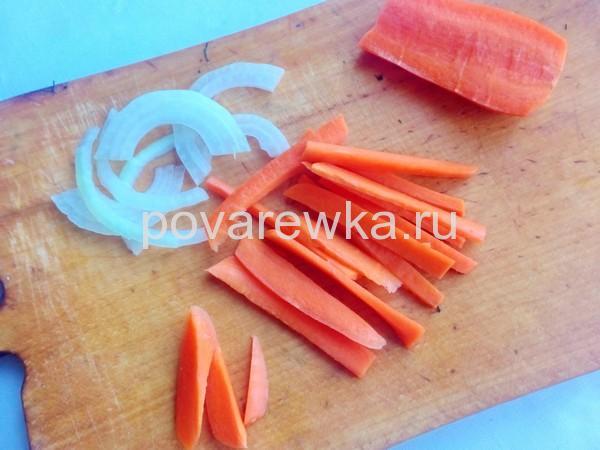Огурцы по-болгарски на зиму с луком и морковью кольцами