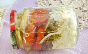 Салат из овощей на зиму в банке слоями
