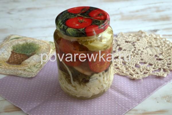Салат из огурцов и помидоров кусочками
