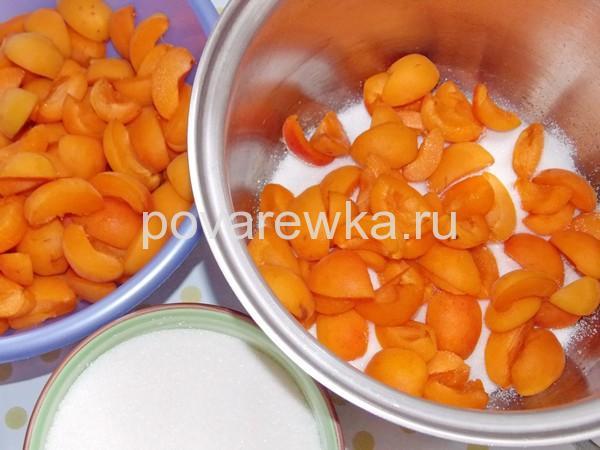 Дольки абрикосов для варенья