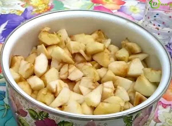 Яблоки для яблочного пюре
