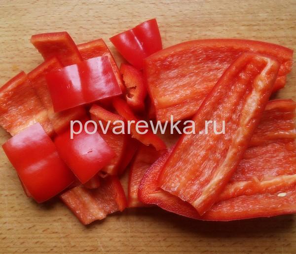 Маринованные помидоры с перцем в банках на зиму