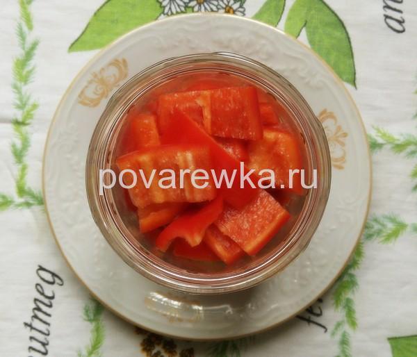 Маринованные помидоры с уксусом и перцем