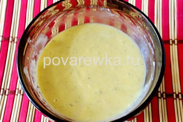 Греческая мусака с фаршем и баклажанами с соусом