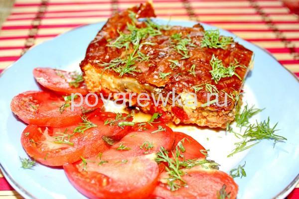 Мусака по-гречески с баклажанами, фаршем и томатной пастой