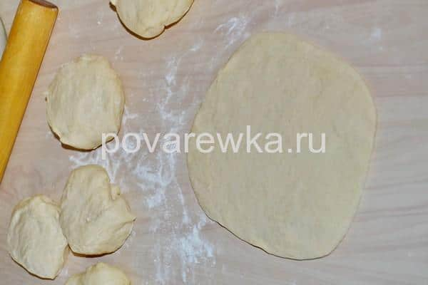 Хачапури по аджарски с сыром лодочка в духовке