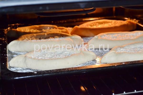 Хачапури по аджарски в духовке с сыром
