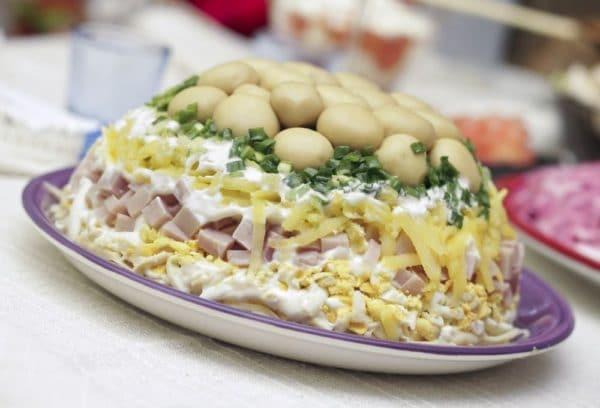 Грибной салат на Новый год 2019 Свиньи