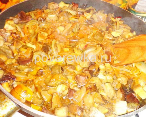 Жульен с грибами на сковороде классический