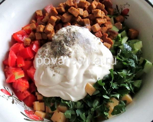 Салат с курицей и майонезом