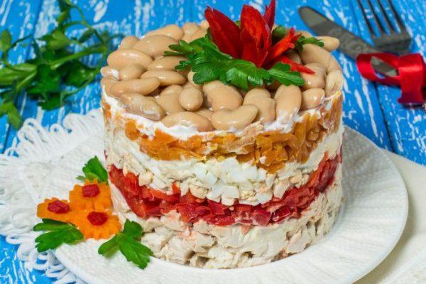Салат с курицей и фасолью на Новый год 2019