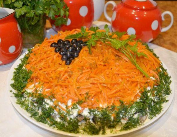 Салат с курицей и корейской морковью на Новый год 2019