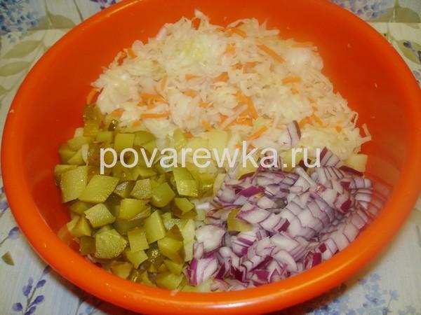 Салат винегрет классический с квашеной капустой