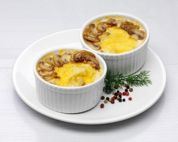 Жульен: рецепт классический с грибами со сметаной