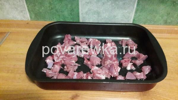 Индейка в духовке сочная и мягкая кусочками