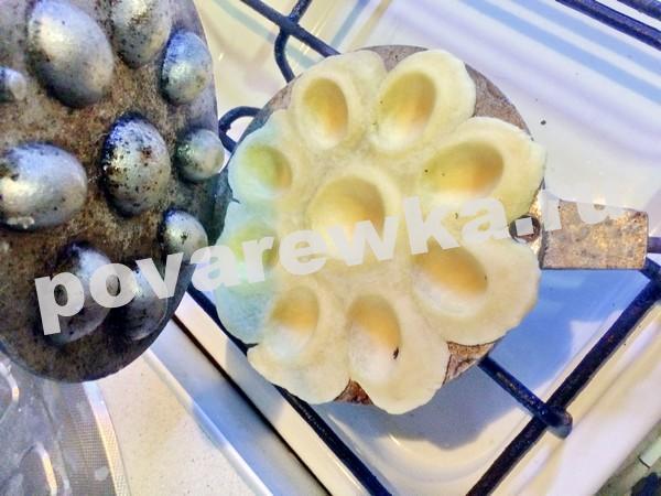 Орешки со сгущенкой: классический рецепт в орешнице на газу