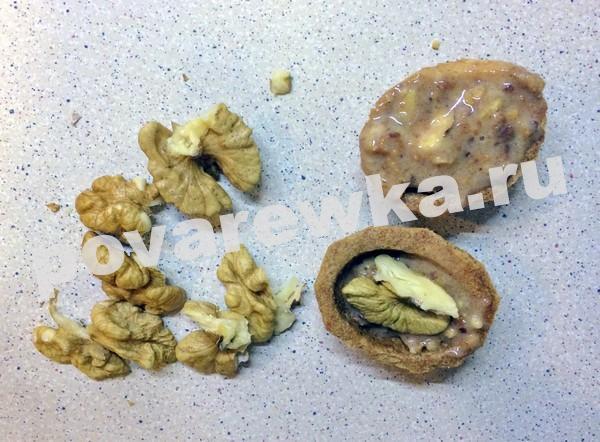 Орешки со сгущенкой: классический рецепт с фото