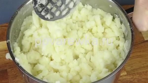 картофельным пюре