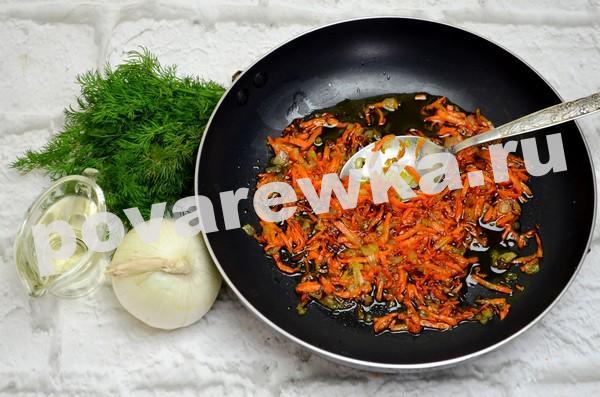 Зелёный борщ с щавелем и яйцом: рецепт с зажаркой