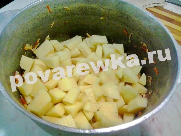 Штрудли: Уложить картофель