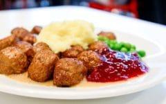 Тефтели с подливкой на сковороде: пошаговые рецепты с фото