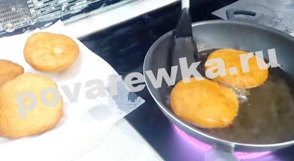 Беляши с мясом: жареные на сковороде в масле
