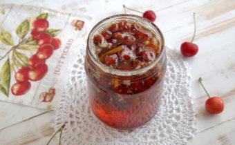 Варенье из черешни с косточками на зиму: вкусный и простой рецепт