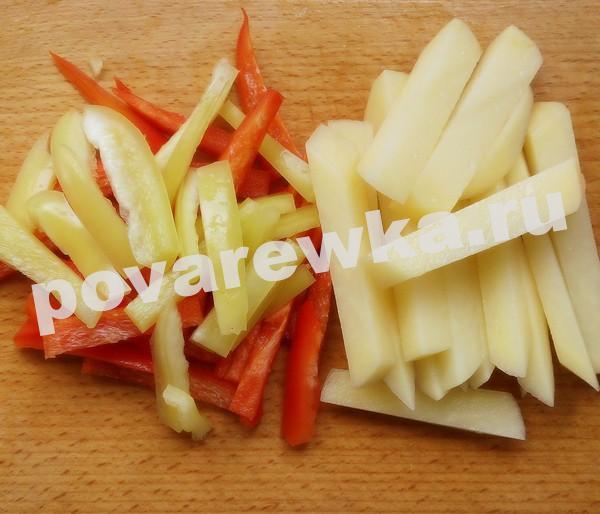 Борщ с картофелем и перцем