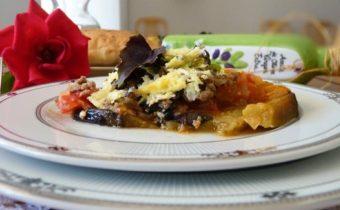 Запеканка из баклажанов с помидорами и сыром в духовке