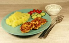 Котлеты из куриного фарша: пошаговый рецепт с фото на сковороде